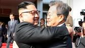 Hai nhà lãnh đạo Triều Tiên gặp nhau tại làng đình chiến Panmunjom