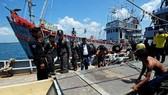 Cảnh sát Hoàng gia Thái Lan kiểm tra hoạt động đánh bắt thủy hải sản ở Narathiwat