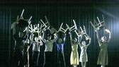 Một cảnh trong vở múa đương đại Cafe Sài Gòn