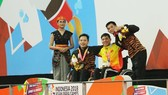 Võ Thanh Tùng (áo vàng) xuất sắc mang về tấm HCV cho Đoàn Việt Nam trong ngày thi đấu thứ tư. Ảnh: Vietnam+