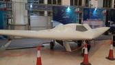 Iran trình làng thiết bị bay không người lái và tên lửa dẫn đường mới