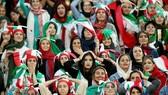 FIFA đã giải thoát và giúp các cô gái Iran xinh đẹp được đến sân vận động xem bóng đá