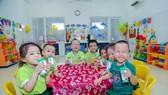 Cho đến năm học 2018-2019, quy mô chương trình SHĐ được mở rộng ra phạm vi toàn TP. Đà Nẵng với sự tham gia của 330 trường học, cơ sở giáo dục với số lượng trẻ tham gia uống sữa là hơn 47.000 trẻ em