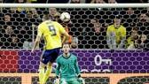 Tiền đạo Marcus Berg ghi bàn mở tỷ số cho Thụy Điển