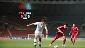 Hàn Quốc (áo trắng) trong trận hòa 0 - 0 với chủ nhà CHDCND Triều Tiên. Ảnh: FIFA