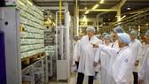 Đoàn công tác Bộ Nông nghiệp Hoa Kỳ đến thăm và làm việc với Công ty cổ phần Sữa Việt Nam