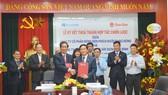 Tập đoàn Xây dựng Hòa Bình và Công ty CP Bóng đèn phích nước Rạng Đông ký kết hợp tác chiến lược