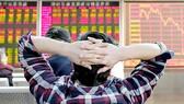 Thị trường chứng khoán Trung Quốc sụt giảm mạnh sau kỳ nghỉ Tết Nguyên đán