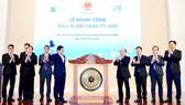 Chủ tịch UBND TPHCM Nguyễn Thành Phong đánh cồng đầu Xuân Canh Tý tại HoSE