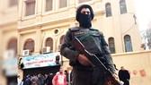 Cảnh sát phong tỏa hiện trường nhà thờ Cơ Đốc giáo ở Ai Cập bị tấn công