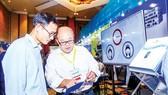 Giới thiệu phần mềm bảo mật tại một hội nghị an ninh mạng trong nước. Ảnh: TTXVN