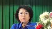 Chủ tịch Ủy ban MTTQ Việt Nam TPHCM Tô Thị Bích Châu phát biểu tại buổi tiếp xúc cử tri. Ảnh: hcmcpv