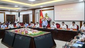 Toàn cảnh buổi làm việc của Bộ trưởng GD-ĐT Phùng Xuân Nhạ với Ban chỉ đạo thi tốt nghiệp THPT năm 2020 tỉnh Hà Nam. Ảnh: Quỳnh Trang/Báo Nhân dân