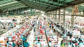 Một nhà máy dệt may tại Solo, Trung Java, Indonesia