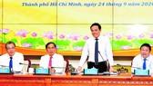 Đồng chí Trần Lưu Quang phát biểu trong buổi tiếp, làm việc với đoàn trưởng cơ quan đại diện Việt Nam tại nước ngoài. Ảnh: VIỆT DŨNG