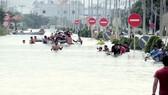 Ngập lụt tại ngoại ô thủ đô Phnôm Pênh, Campuchia