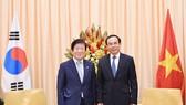 Bí thư Thành ủy TPHCM Nguyễn Văn Nên tiếp Chủ tịch Quốc hội Hàn Quốc Park Byeong-Seug. Ảnh: VIỆT DŨNG