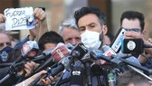 Bác sĩ Leopoldo Luque trong một lần trả lời truyền thông về sức khỏe của Maradona