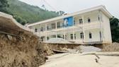 Tòa nhà nằm trong vùng sụt lún tại Trường Tiểu học Nhi Sơn (huyện Mường Lát)