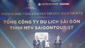 Ông Nguyễn Bình Minh, Tổng Giám đốc Saigontourist Group nhận giải Thương hiệu Vàng TPHCM năm 2020