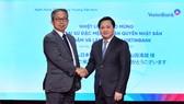 Chủ tịch HĐQT VietinBank Lê Đức Thọ (bên phải) và ông Takio Yamada - Đại sứ Đặc mệnh toàn quyền Nhật Bản tại buổi làm việc