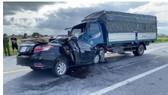 Hai ôtô tông trực diện khiến 3 người tử vong tại Hưng Yên