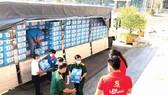 Cung cấp nhu yếu phẩm cho khu cách ly ở Tiền Giang năm 2020