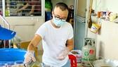 Hàng trăm phần ăn mỗi ngày được nhóm của Quốc Khánh gửi đến các bệnh viện. Ảnh: QUỐC KHÁNH