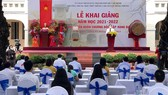 Quang cảnh lễ khai giảng năm học mới 2021-2022 tại Trường THPT chuyên Lê Hồng Phong. Ảnh: HOÀNG HÙNG