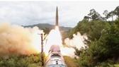 Báo chí Hàn Quốc đưa tin về vụ phóng tên lửa của Triều Tiên vào sáng 28-9. Ảnh cắt từ bản tin Yonhap