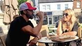 Ferdinand và Kate Wright bắt đầu hẹn hò từ tháng 3