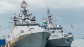 Tàu khu trục thuộc biên chế hải quân Ấn Độ
