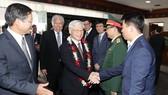 Cán bộ, nhân viên Đại sứ quán và Phái đoàn Việt Nam tại ASEAN, đại diện cộng đồng và doanh nghiệp Việt Nam đón Tổng Bí thư Nguyễn Phú Trọng