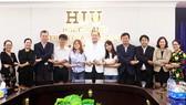 HIU hợp tác ngành điều dưỡng và golf với Nhật Bản, Hàn Quốc
