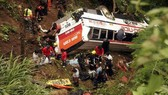 Nepal: Xe buýt lao xuống vực, ít nhất 16 người chết