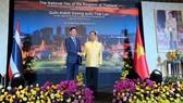 Phó Chủ tịch UBND TPHCM Trần Vĩnh Tuyến và Tổng Lãnh sự Thái Lan  Apirat Sugondhabhirom tại buổi lễ