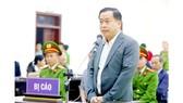 Bị cáo Phan Văn Anh Vũ nói lời sau cùng trước khi tòa tuyên án. Ảnh: TTXVN