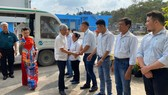 Lãnh đạo UBND TPHCM thăm, chúc tết công nhân xử lý rác