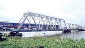 Cầu đường sắt Bình Lợi cũ chưa được bàn giao để bảo tồn
