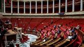 Toàn cảnh phiên họp Quốc hội Pháp tại Paris ngày 21-3-2020. Ảnh: AFP/TTXVN