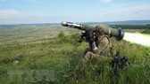 Binh sĩ Mỹ bắn tên lửa chống tăng Javelin trong cuộc tập trận tại Varpalota, Hungary, ngày 5-6-2019. Ảnh: AFP/TTXVN