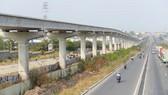 Đoạn đi trên cao của tuyến metro Bến Thành - Suối Tiên. Ảnh: QUỐC HÙNG
