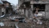 Những tòa nhà bị phá hủy trong xung đột giữa lực lượng Armenia và binh sỹ Azerbaijan ngày 5-10-2020. Nguồn: AFP/TTXVN