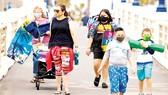 Nhiều bang ở Mỹ đã yêu cầu người dân đeo khẩu trang nơi công cộng