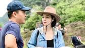 Đạo diễn Mai Thu Huyền trên phim trường phim Kiều. Ảnh: NVCC