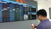 Sàn giao dịch HoSE bị lỗi, VN-Index mất gần 11 điểm