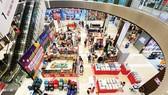 Người dân mua sắm tại Aeon Bình Tân, TPHCM. Ảnh: CAO THĂNG