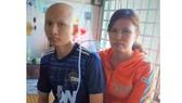 Em Khắc hiện đang điều trị tại BV Ung bướu TPHCM