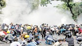 Đụng độ diễn ra giữa người biểu tình và lực lượng an ninh tại Yangon