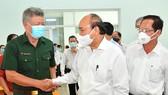 Chủ tịch nước Nguyễn Xuân Phúc tiếp xúc cử tri huyện Hóc Môn, TPHCM. Ảnh: VIỆT DŨNG